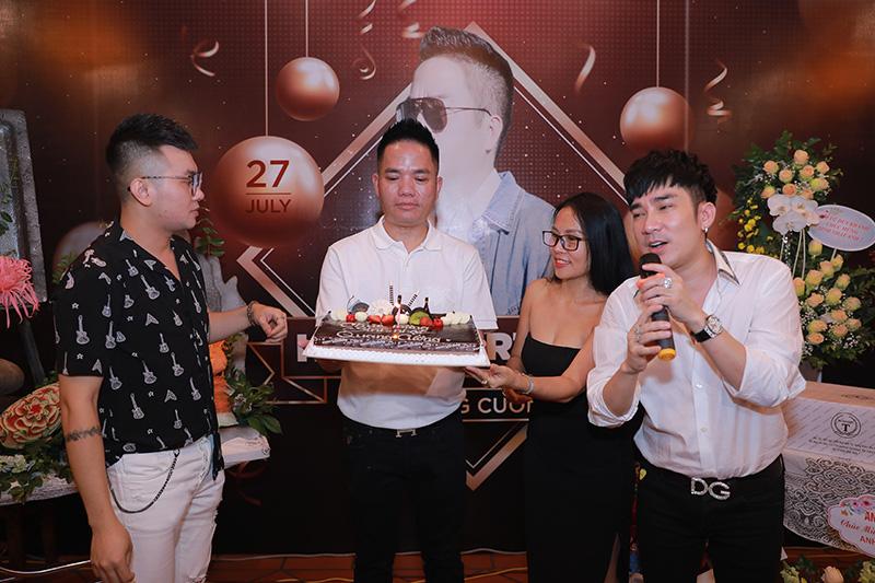 Đằng sau thành công của Quang Hà có sự góp mặt của người đàn ông này - Ảnh 2.