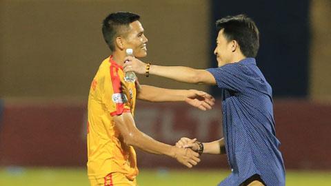 Thanh Hóa FC: Đình Tùng, Văn Thắng và sự hồi sinh của những biểu tượng - Ảnh 2.