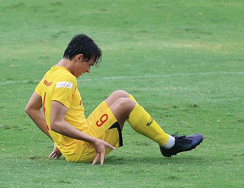 HLV Park Hang-seo nhận tin dữ từ cầu thủ Việt kiều Pháp cao 1m82 - Ảnh 1.