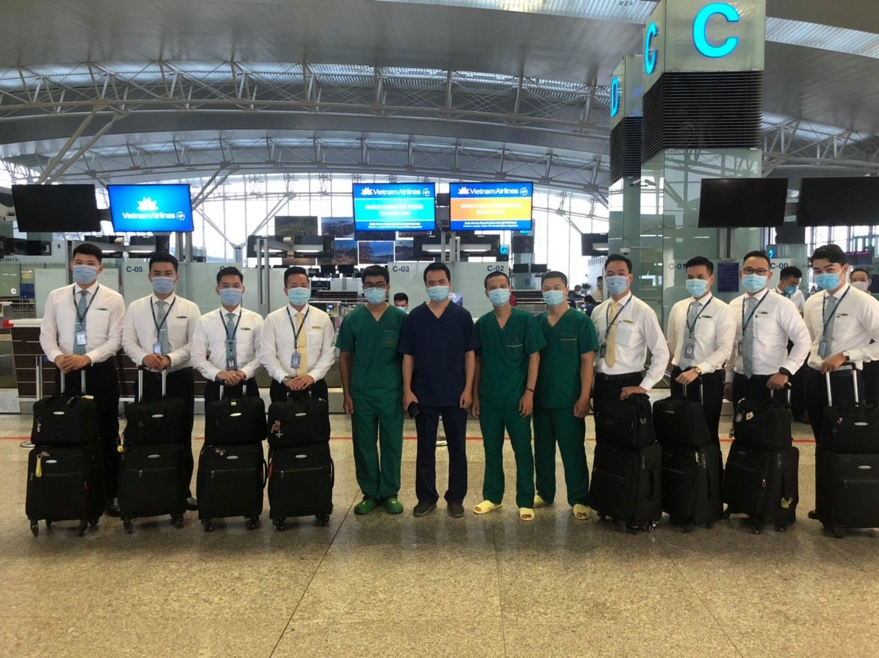 Vietnam Airlines chở 219 công dân Việt Nam t - Ảnh 3.