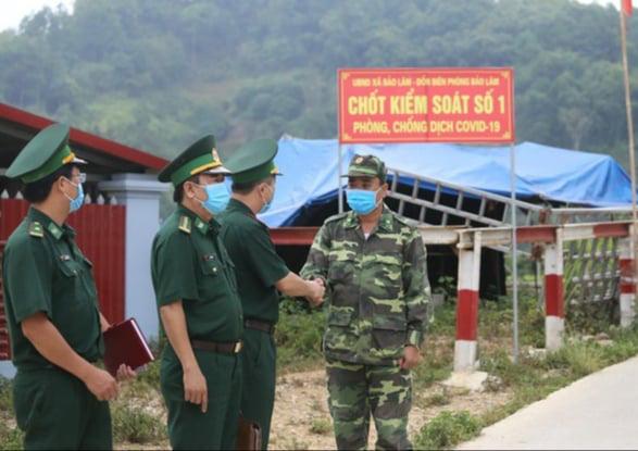 Lạng Sơn: Lập chốt ngăn chặn người xuất nhập cảnh trái phép - Ảnh 3.