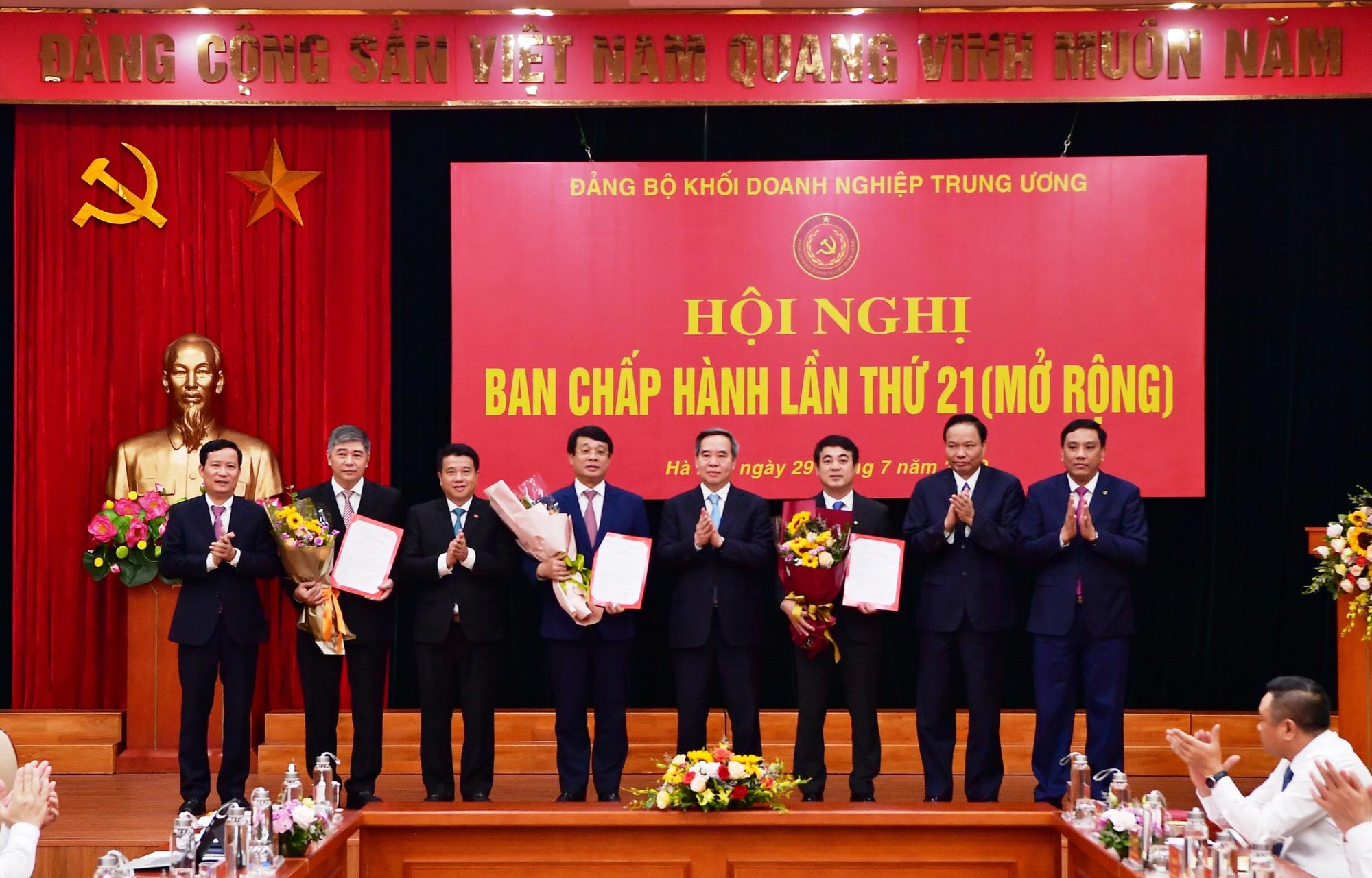 Chủ tịch HĐQT Vietcombank giữ chức Ủy viên Ban Thường vụ Đảng ủy Khối Doanh nghiệp Trung ương - Ảnh 2.