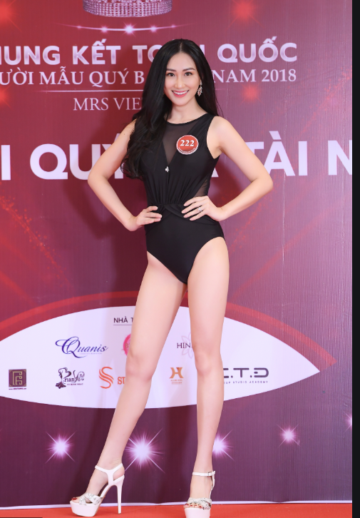 Thủ môn Phạm Văn Tiến hạnh phúc bên người vợ xinh đẹp và giỏi kinh doanh - Ảnh 5.