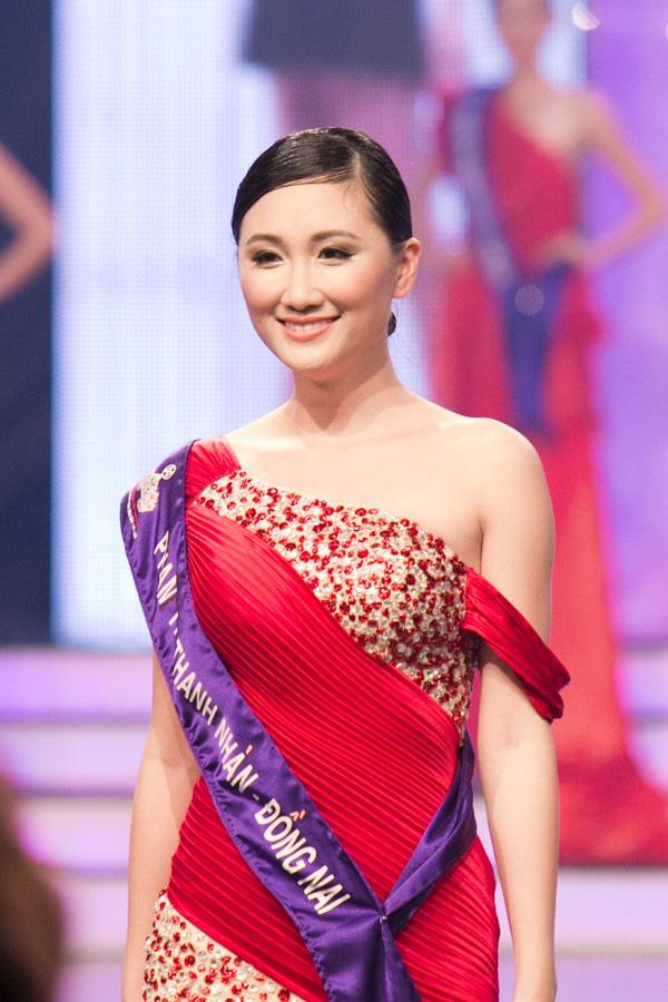 Thủ môn Phạm Văn Tiến hạnh phúc bên người vợ xinh đẹp và giỏi kinh doanh - Ảnh 4.
