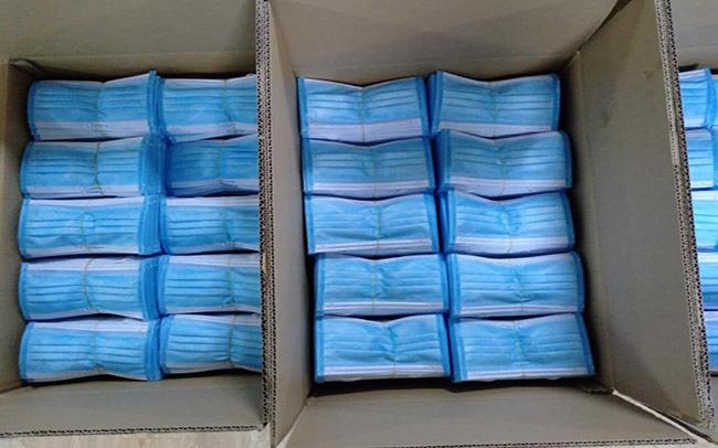 NÓNG: Phát hiện cơ sở sản xuất hơn 100.000 chiếc khẩu trang 3M giả - Ảnh 3.