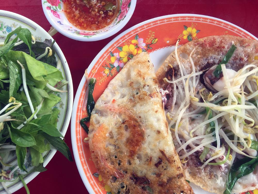 """Phú Yên: Độc đáo, phiên chợ """"đầu mối"""" bán cá tôm tươi rói ngay mép biển, họp nhanh tan cũng nhanh - Ảnh 9."""