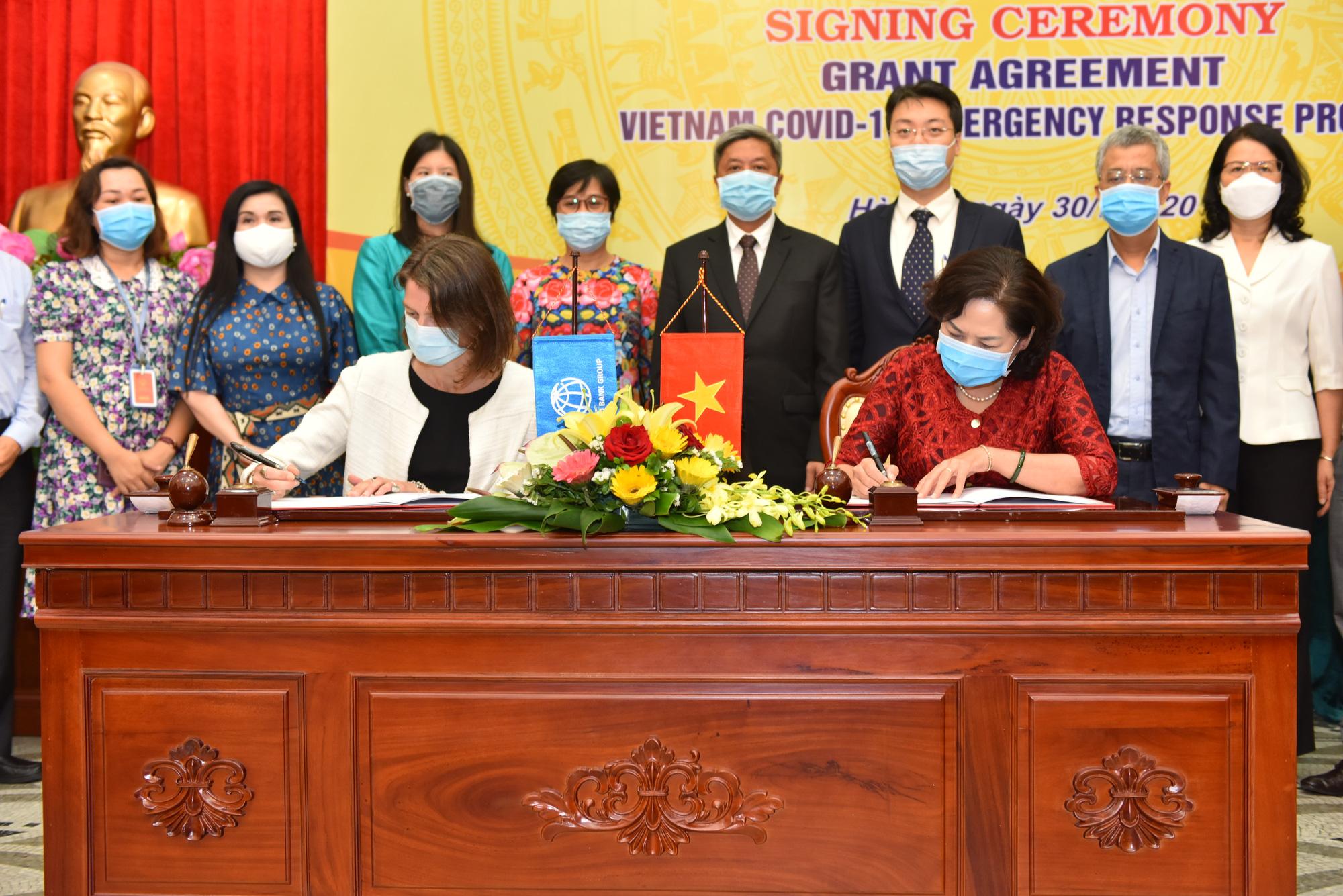 Ký kết Hiệp định Viện trợ không hoàn lại hơn 6,2 triệu USD giúp Việt Nam phát hiện và ứng phó Covid-19 - Ảnh 1.