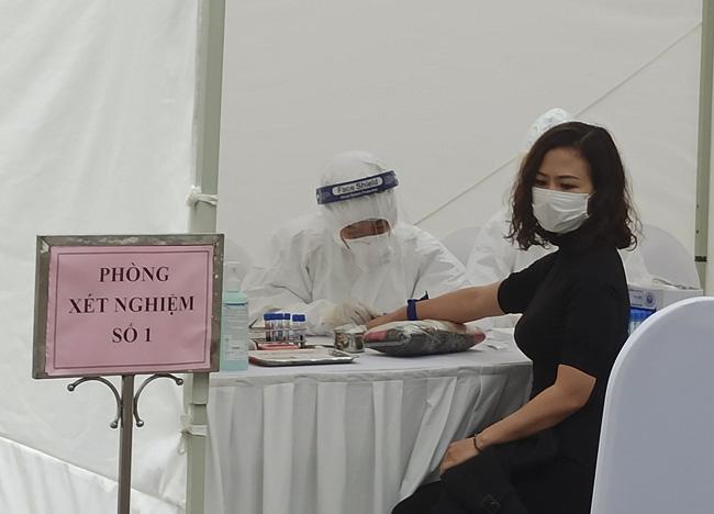 Thành ủy Hà Nội yêu cầu xét nghiệm RT-PCR xong trong ngày 20/8 để phòng chống Covid-19 - Ảnh 1.