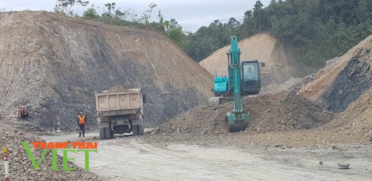 Điện Biên: Thông đường sau những cơn mưa - Ảnh 1.