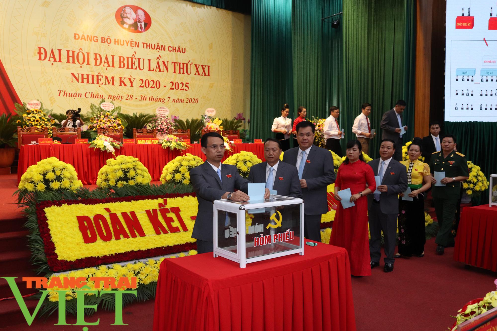 Ông Nguyễn Minh Tiến tái đắc cử Bí thư Huyện uỷ Thuận Châu - Ảnh 4.