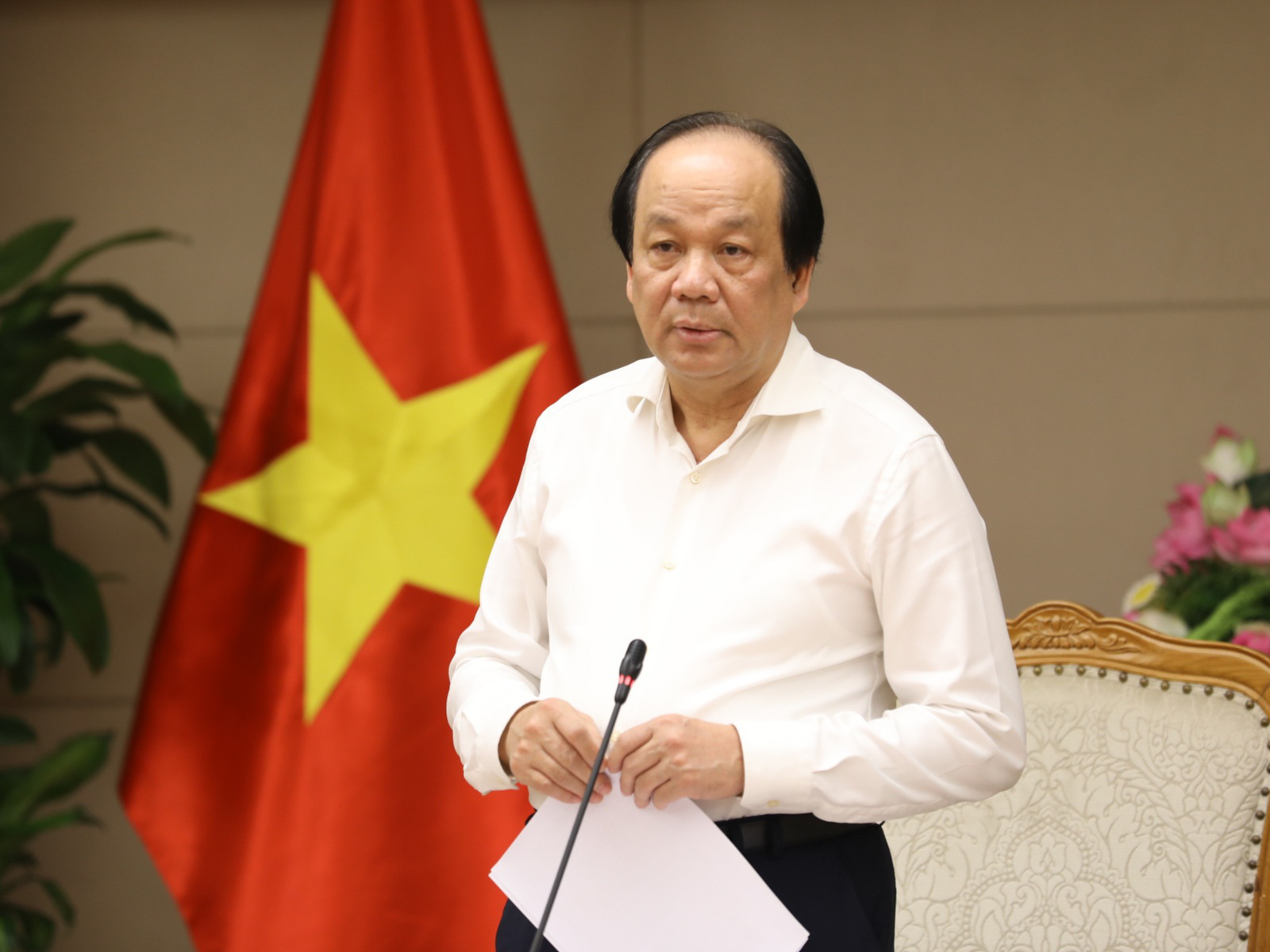 Hà Nội, TPHCM có tái cách ly xã hội sau khi xác định ca Covid-19 mới? - Ảnh 1.