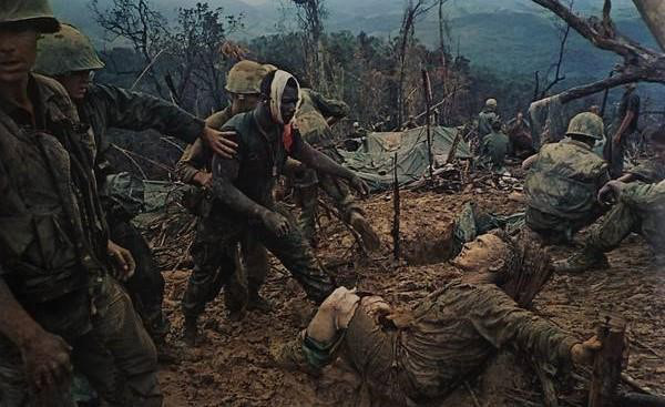 Loạt ảnh hiếm chiến tranh Việt Nam chụp giữa bom rơi đạn lạc - Ảnh 4.