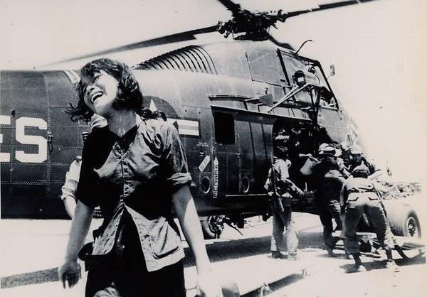 Loạt ảnh hiếm chiến tranh Việt Nam chụp giữa bom rơi đạn lạc - Ảnh 5.