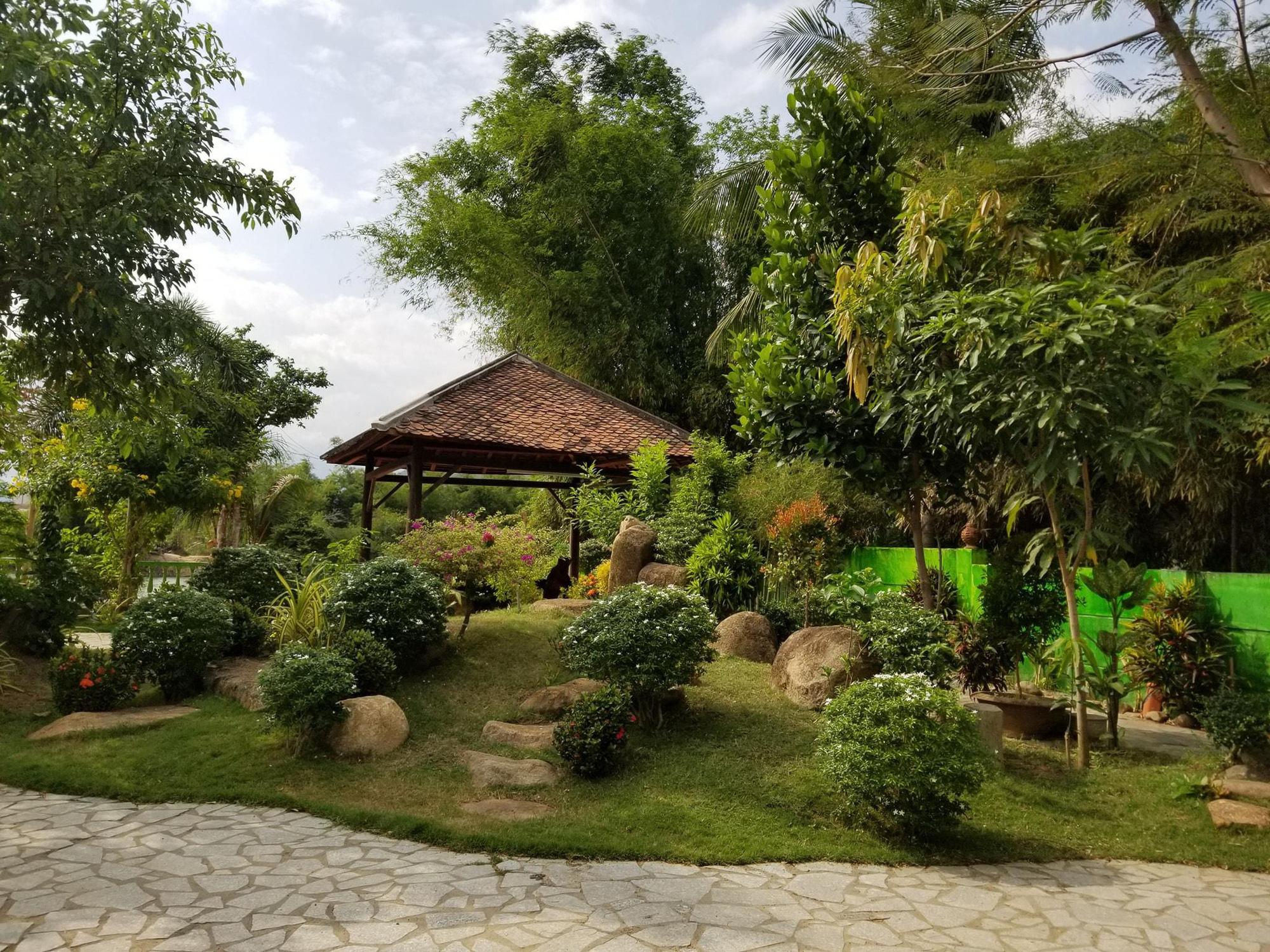 """Điều bất ngờ bên trong """"biệt phủ"""" gỗ hoành tráng rộng 1300m2 ở Nha Trang - Ảnh 6."""