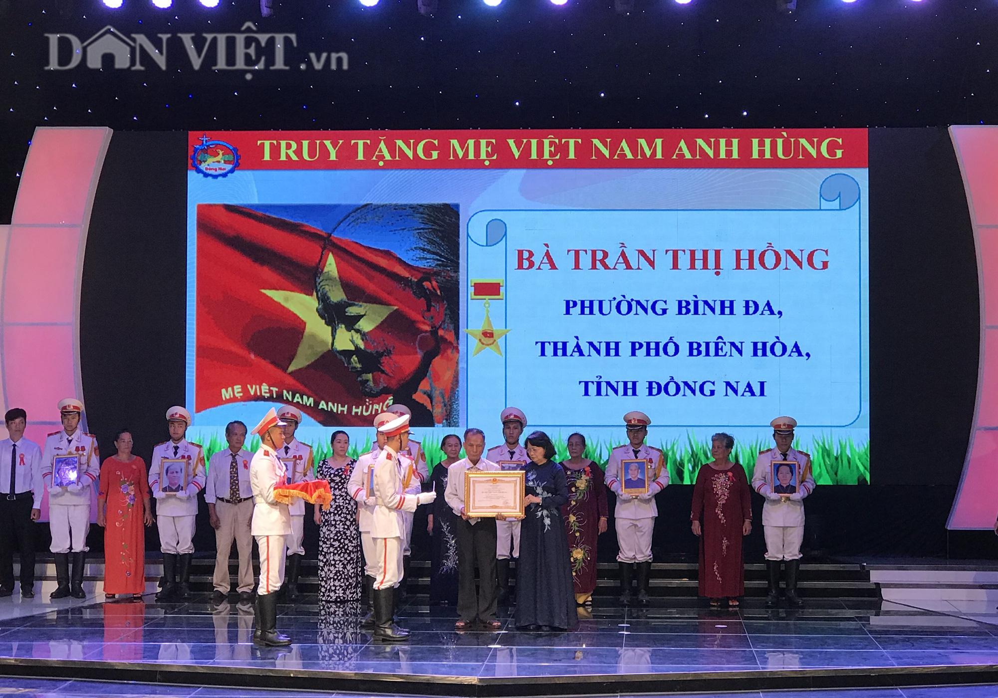 Phó Chủ tịch nước Đặng Thị Ngọc Thịnh dự lễ trao tặng các phần thưởng cao quý tại Đồng Nai - Ảnh 1.