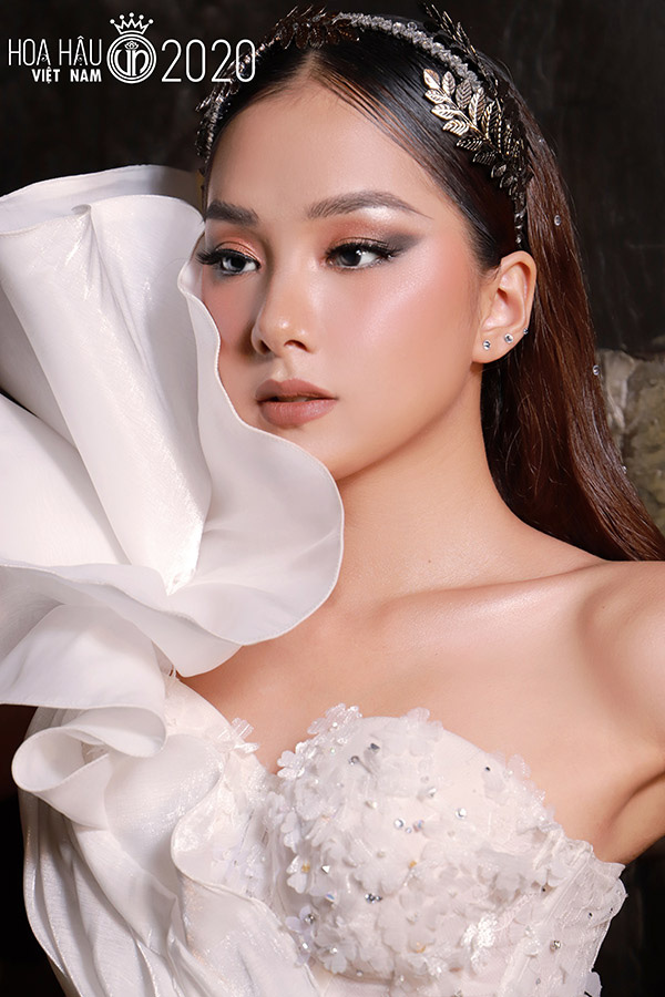 """4 mỹ nhân """"quen mặt"""" khiến dàn nữ sinh 2k Hoa hậu Việt Nam 2020 phải """"dè chừng"""" là ai? - Ảnh 2."""