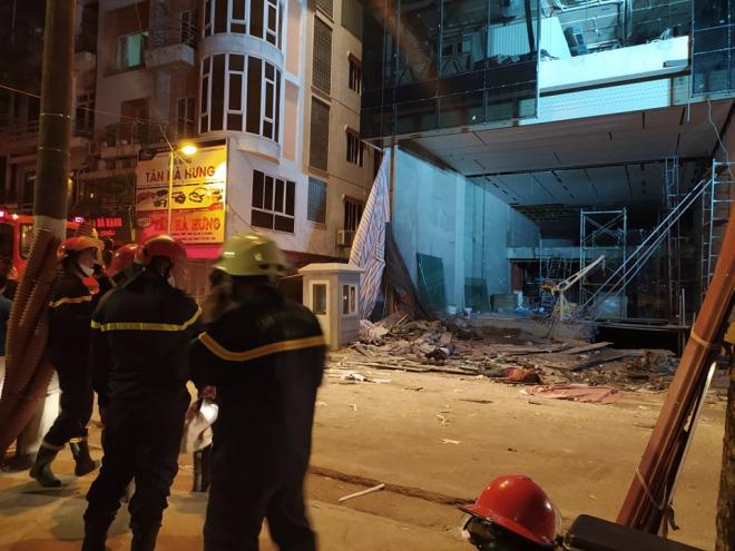 Vụ sập giàn giáo tại Hà Nội: Đã có 4 người tử vong - Ảnh 1.