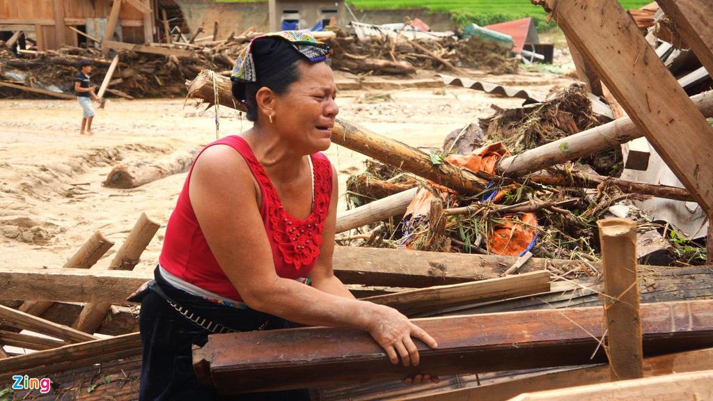 Nửa cuối năm bão dồn dập, Trung và Nam Bộ lũ chồng lũ - Ảnh 1.