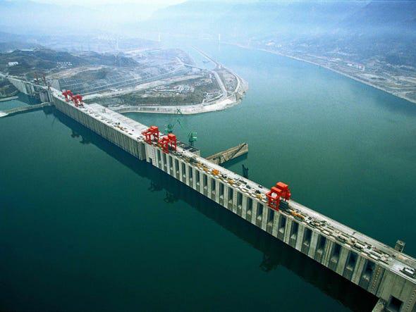 """""""Vũ khí nước"""" từ những con đập khổng lồ của Trung Quốc - Ảnh 2."""