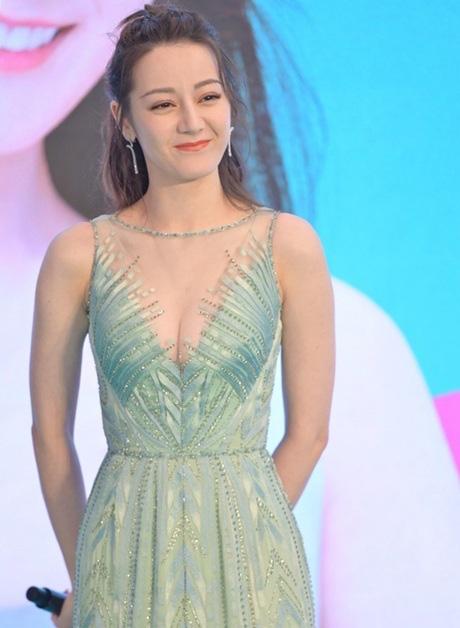 """""""Bỏng mắt"""" ngắm mỹ nhân phim cổ trang Trung Quốc mặc quyến rũ hút mắt đời thường - Ảnh 13."""