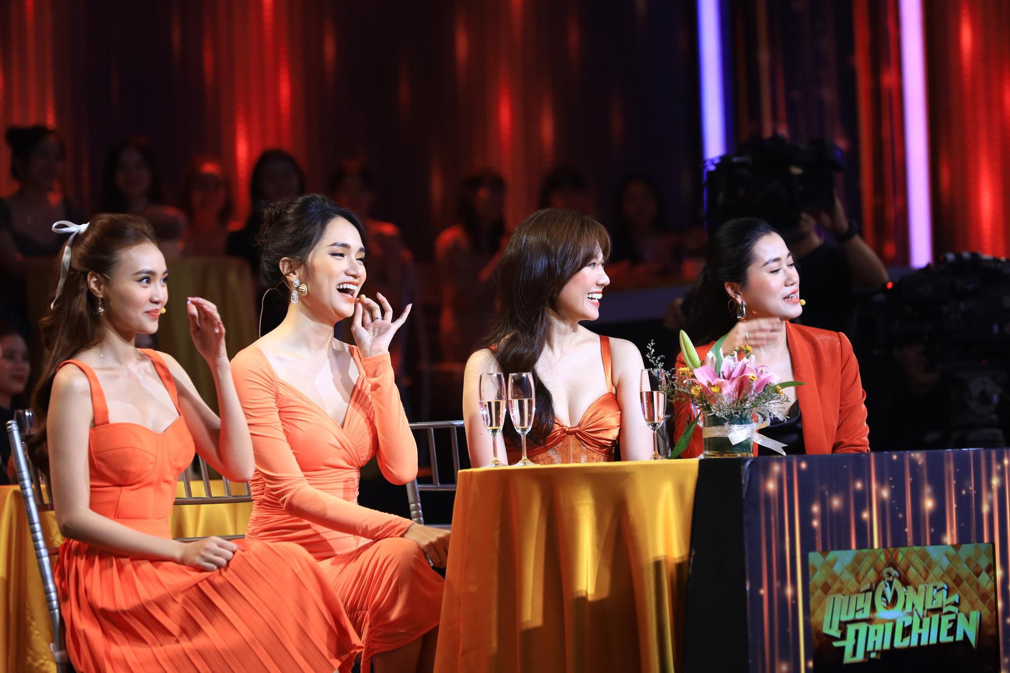Hương Giang, Hari Won hào hứng kể về nụ hôn đầu đời đặc biệt - Ảnh 3.