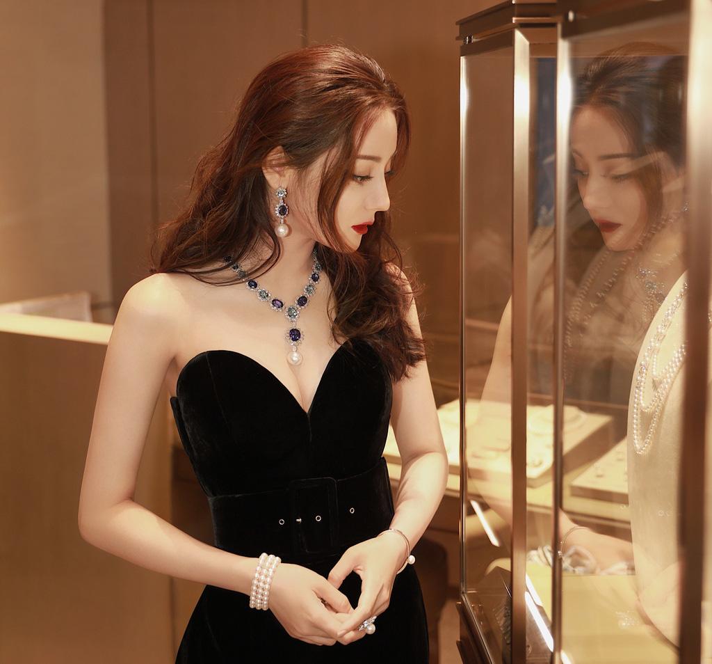 """""""Bỏng mắt"""" ngắm mỹ nhân phim cổ trang Trung Quốc mặc quyến rũ hút mắt đời thường - Ảnh 10."""
