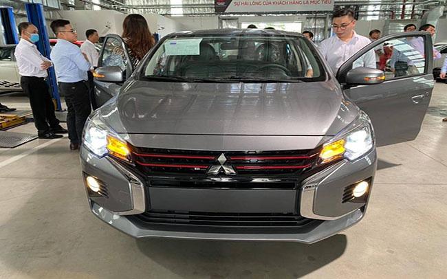 Ô tô nhập tăng khuyến mại, xin giảm 50% phí trước bạ - Ảnh 1.