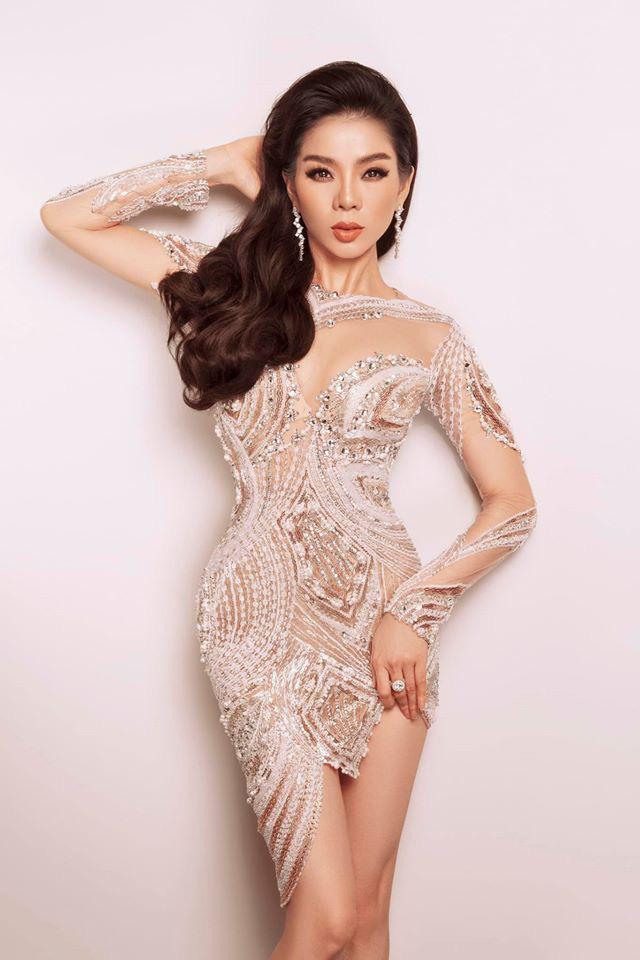 """Hoàng Thùy tung clip mặc """"nửa kín nửa hở"""", Đỗ Mỹ Linh khoe đẹp tựa nữ thần - Ảnh 10."""