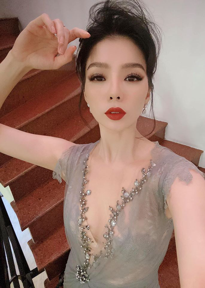 """Hoàng Thùy tung clip mặc """"nửa kín nửa hở"""", Đỗ Mỹ Linh khoe đẹp tựa nữ thần - Ảnh 9."""