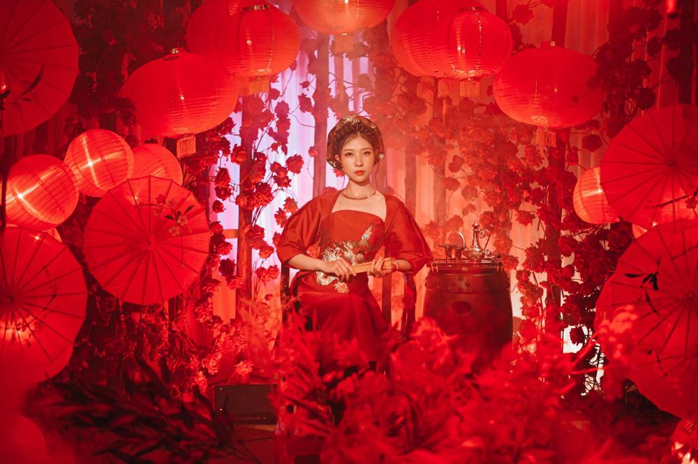 """MV """"Tuý họa"""" của K-ICM và 10X Xesi: Nhạc ấn tượng, hình ảnh """"lẩu thập cẩm"""" - Ảnh 4."""