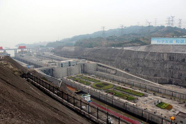 Bên trong đập Tam Hiệp khổng lồ của Trung Quốc khiến thế giới choáng ngợp - Ảnh 14.