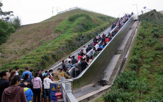 Bên trong đập Tam Hiệp khổng lồ của Trung Quốc khiến thế giới choáng ngợp - Ảnh 4.
