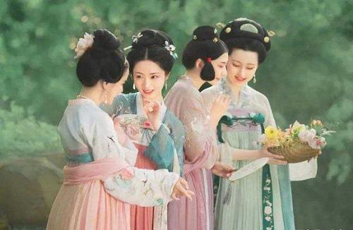 """Cung nữ thời xưa sau khi xuất cung thường mắc một """"căn bệnh"""" khiến họ dù xinh đẹp nhưng phải sống cô độc tới già - Ảnh 2."""