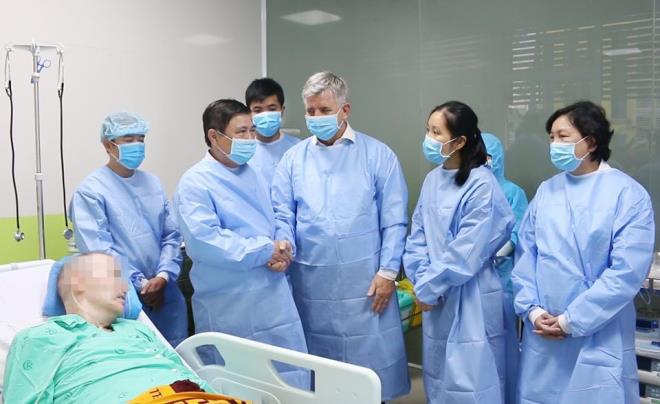 Phi công người Anh khỏi bệnh, Việt Nam không còn bệnh nhân nước ngoài nhiễm nCoV - Ảnh 1.