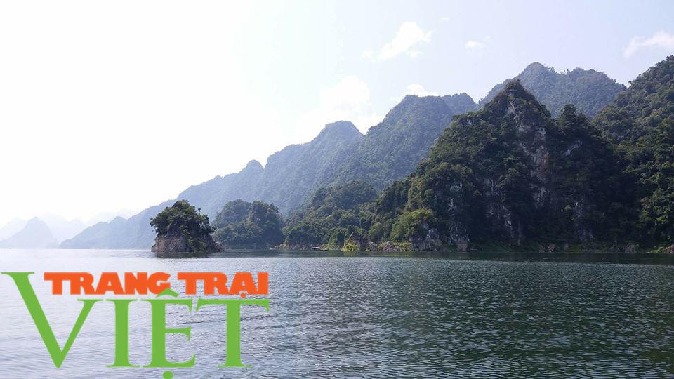 Sơn La: Khai thác tiềm năng du lịch lòng hồ thuỷ điện - Ảnh 1.