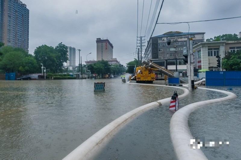 Mưa lớn đe dọa đập Tam Hiệp, Trung Quốc cảnh báo nóng nhiều khu vực - Ảnh 1.