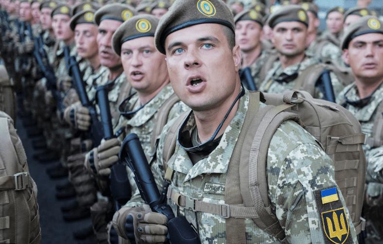 Tướng Ukraine tuyên bố sốc chuẩn bị chiến tranh với Nga - Ảnh 1.