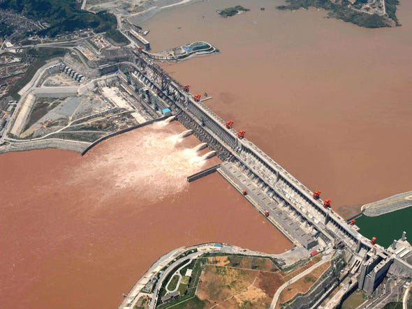 Đường thủy qua đập Tam Hiệp quá tải, Bắc Kinh bị hối thúc làm ngay điều này - Ảnh 1.