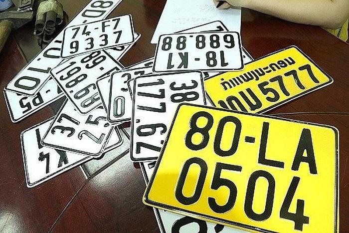Xe kinh doanh chuyển biển số màu vàng: Ai hưởng lợi và chịu thiệt? - Ảnh 2.