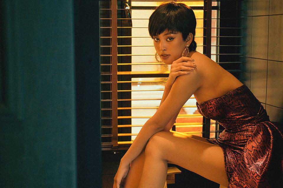 HOT showbiz: Trần Tiểu Vy mặc bikini ở bể bơi, dẫn đầu hội mỹ nhân quyến rũ hút mắt - Ảnh 7.