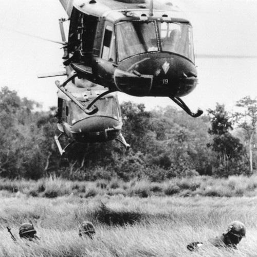 Vì sao trực thăng Mỹ lại mong manh, yếu ớt ở chiến trường Việt Nam? - Ảnh 4.