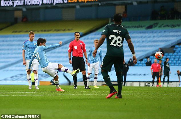 Man City đè bẹp Newcastle, HLV Guardiola hết lời khen ngợi 1 học trò - Ảnh 1.