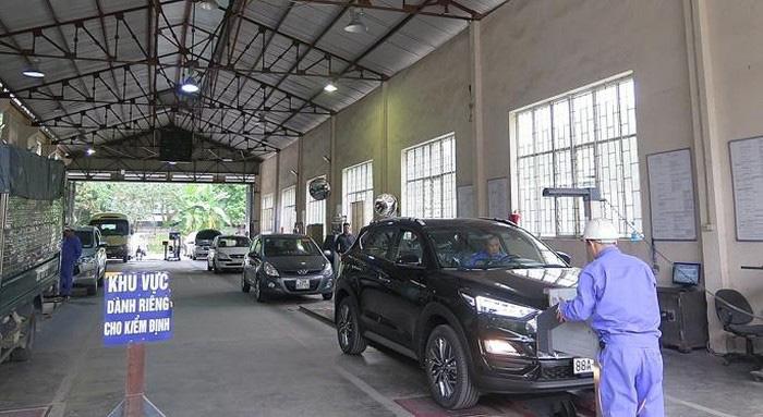 Đề xuất nới thời hạn đăng kiểm taxi - Ảnh 1.