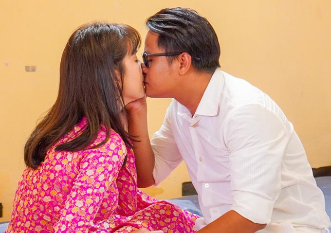 """""""Phi công trẻ"""" hôn Ninh Dương Lan Ngọc suốt 2 tiếng vẫn chưa là gì với Ngô Kiến Huy hôn Nhã Phương - Ảnh 15."""