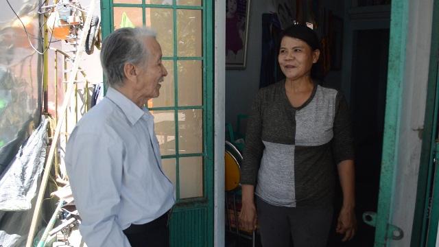 Cụ ông ở Quảng Ngãi hiến 200m2 đất 'vàng' làm đường cho bà con - Ảnh 3.