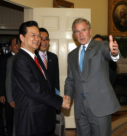 Những hình ảnh lịch sử 25 năm quan hệ Việt – Mỹ - Ảnh 12.