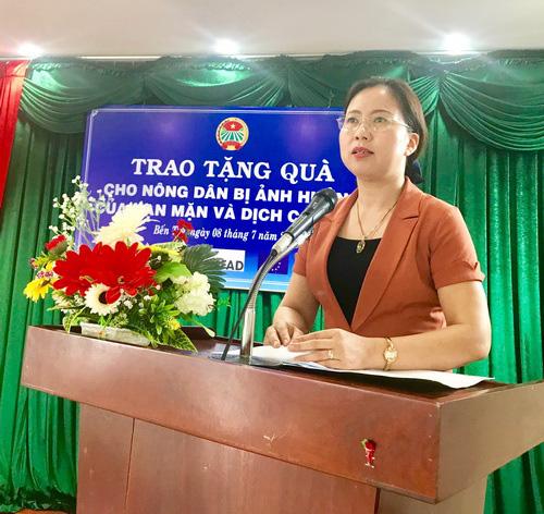 Trung ương Hội NDVN: Trao tặng 1.500 thùng dự trữ nước ngọt cho hội viên, nông dân - Ảnh 4.