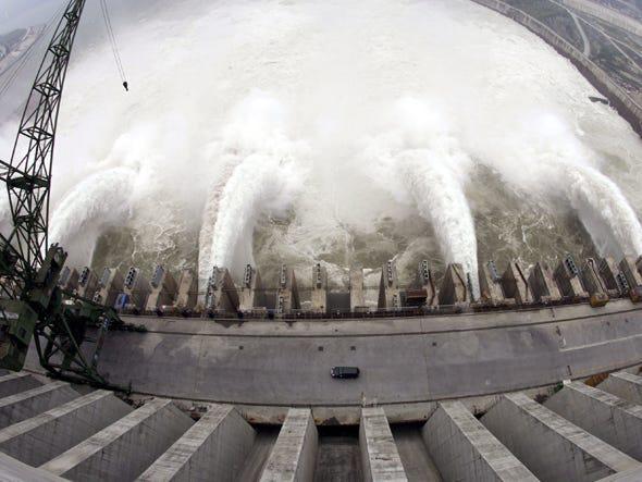 Đây là cách đập Tam Hiệp kiểm soát lũ lụt, nhưng hiệu quả vẫn gây tranh cãi - Ảnh 1.