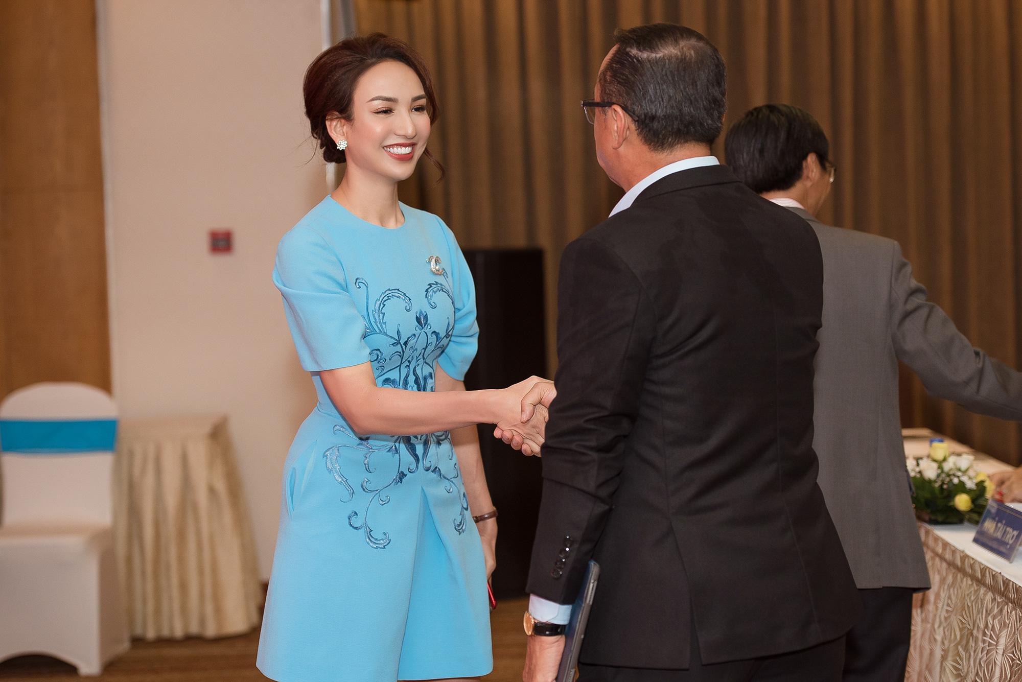 Hoa hậu Ngọc Diễm hội ngộ Dương Triệu Vũ tại Caravan thiện nguyện - Ảnh 4.