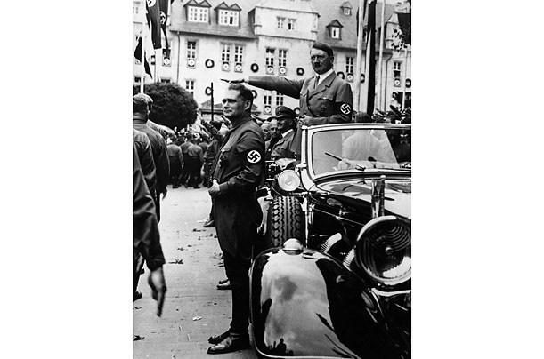 """Ngoài người Do Thái, Hitler muốn """"đuổi cùng giết tận"""" nhóm người nào? - Ảnh 4."""